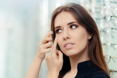 Optik Store Kozmetik RENKLİ kadin