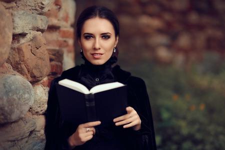 美しいダーク プリンセス読書本
