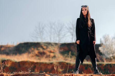 Steampunk Woman in Post Apocalyptic Arid Landscape Stok Fotoğraf