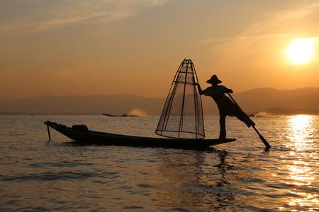 inle: Traditional fisherman, Inle Lake