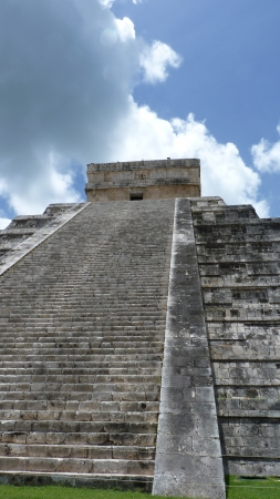 Kukulkan pyramid in Chichen Itza on the Yucatan Peninsula, Mexico Imagens
