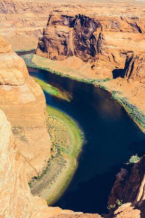 Curvatura a ferro di cavallo sul fiume Colorado in Glen Canyon, Arizona, USA