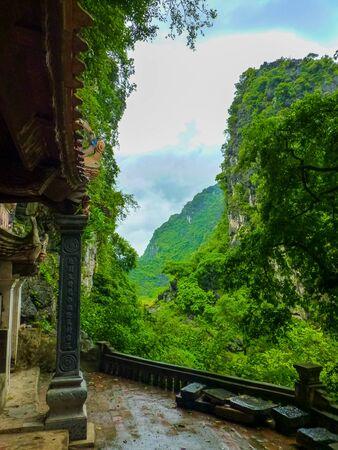 Thai Vi temple on Tam Coc river, Ninh Binh, Vietnam Stock fotó