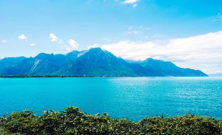 Vue imprenable sur le lac Léman, Lausanne, Suisse. Beau paysage marin Banque d'images - 88501810