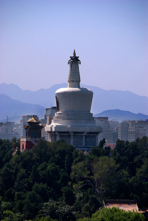 dagoba: White Dagoba of the Miaoying Temple in Beijing, China Stock Photo