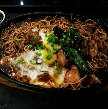 sizzling: Delicious sizzling mee