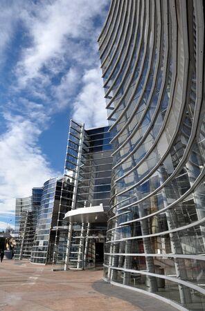 christchurch: Modern Christchurch City Art Gallery - Glass Wall Construction