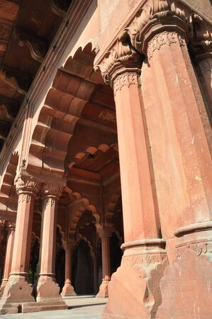 mogul: Architectural detail of the red stone columns in the Red Fort, Old Delhi India. Built by the Mughal Empire in 1648.