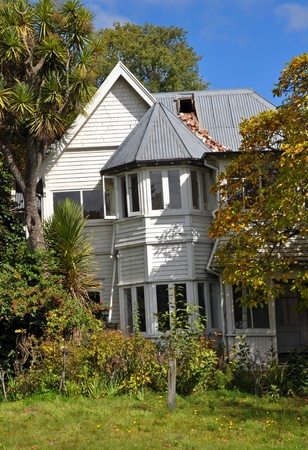 Christchurch, New Zealand - March 30: The historic wooden  house at number 1 Wood Lane suffers significant earthquake damage on March 30, 2011 in Christchurch. It now awaits demolition. Sajtókép