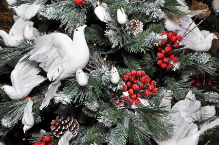 turtle dove: Christmas tree decorated with winter white snow, Turtle  Doves and Holly berries
