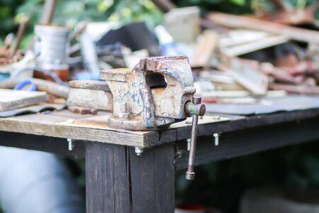 Old handmade rusty vice tool Foto de archivo