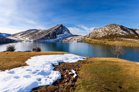 Lago Enol Foto de archivo
