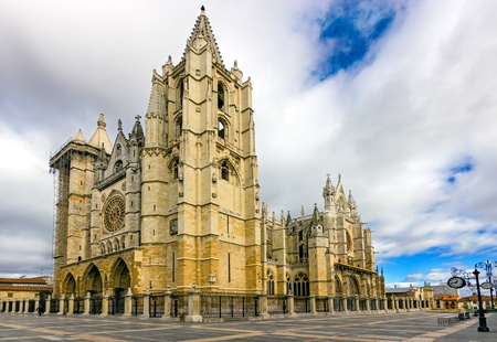 Gothic cathedral of Leon, Castilla Leon, Spain  Stock Photo - 17965337