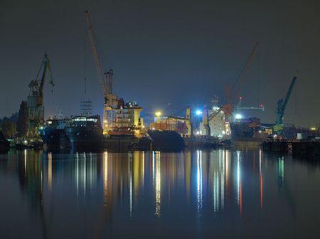 chantier naval: Chantier naval de Gdansk r�paration vu de nuit, de la Pologne.
