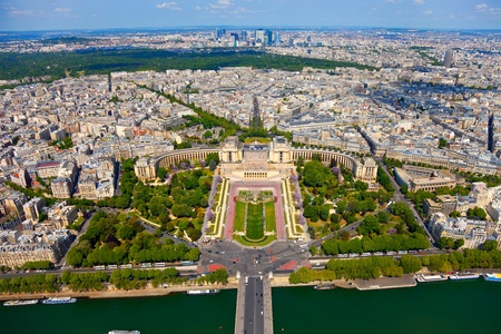 panoramic roof: View from Eiffel tower on Trocadero Stock Photo