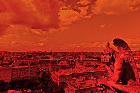 annihilation: Contours of the gargoyle in Paris.