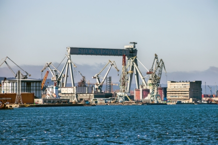 tonnes: One of the largest in Europe Gantry Cranes with dimensions of 106 m high, 153 m wide and up to 3,600 tonnes in weight, capacity 1100-ton. Photo taken on: March 23th, 2012