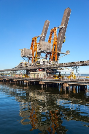 conveyors: Industrial view - Crane loader and conveyors to transport coal