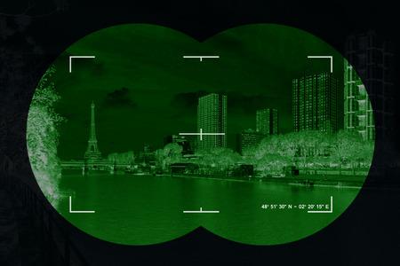Moderne stad in het vizier van het terrorisme - Conceptuele foto. Stockfoto