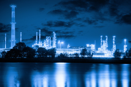 distill: Refinery plant at night industry concept.