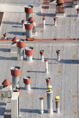 fresh air: Vista superior de techo con ventilaci�n m�ltiple. Foto de archivo