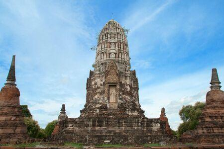 the central sanctuary, the Principle Stupa (Phraprang), Wat Ratburana Temple, Ayutthaya, Thailand