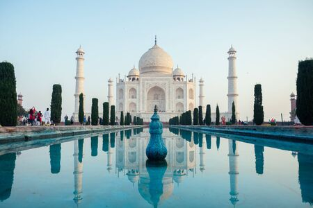beautiful view of the Taj Mahal in Agra, India . concept of culture, tourism and religion 版權商用圖片