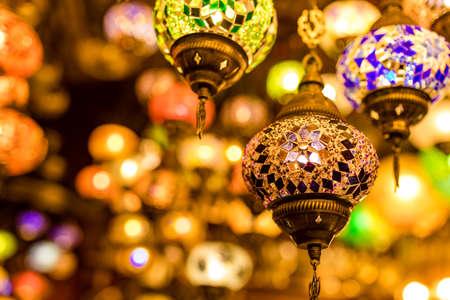Turkish glass mosaic lamp in grand bazaar vintage Archivio Fotografico