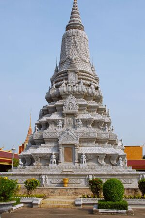 the stupa: Stupa in Royal Palace in Phom Penh, Cambodia