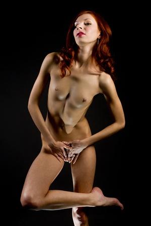 mujeres negras desnudas: atractiva joven mujer desnuda