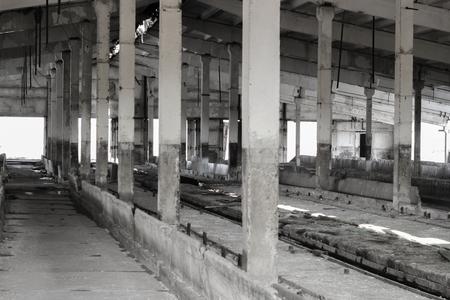 ranching: Habitaci�n compleja ganader�a abandonada con pilares de hormig�n