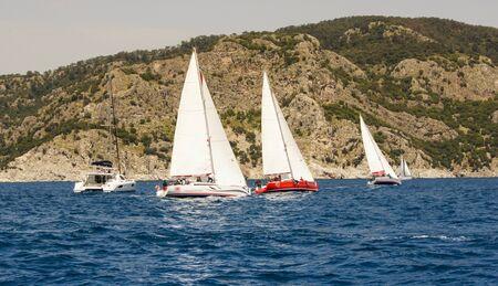 deportes nauticos: Regata que tiene lugar en el Mar Negro en la costa de Turquía