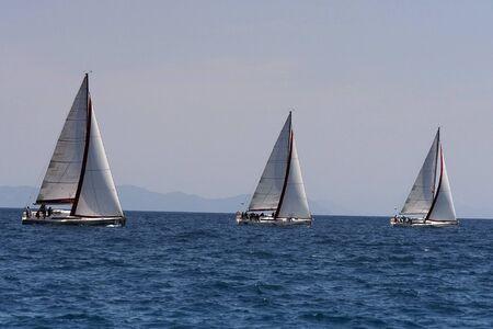 deportes nauticos: Regata que tiene lugar en el Mar Negro en la costa de Turqu�a