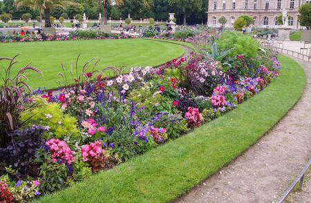 round flower bed