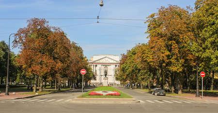 tourist spots: The road to the Mikhailovsky Castle. St. Petersburg, Russia - 6 September, 2015. Excursion - tourist spots in St. Petersburg.