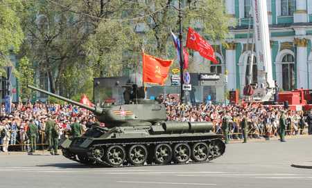 t34: T-34 tank on the victory celebration. Military Victory Parade at the Palace Square in St. Petersburg.
