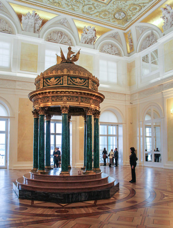 rotunda: Malachite Hall of the Hermitage in the rotunda. A visit to the Hermitage as part of a cultural forum in St. Petersburg.
