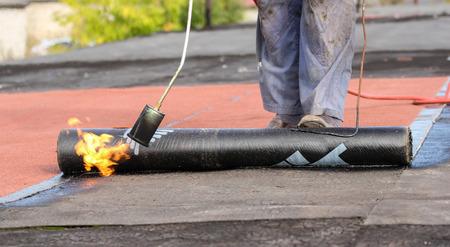 Dakbedekking werkt met zachte materialen.