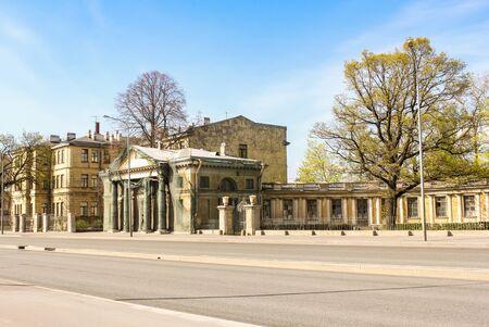 Restaurierte Gebäude der altrussischen Architektur. Standard-Bild