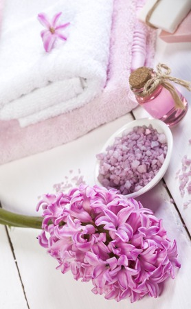 Spa background in the range of pink and white.