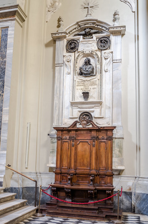 bible altar: Cab for confession with marble statues of saints in Basilica di San Giovanni in Laterano in Rome, capital of Italy