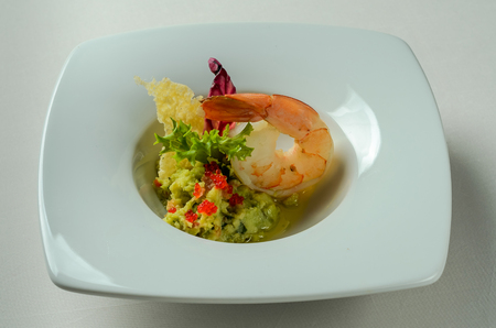 Guacamole with king prawn and cheese chips