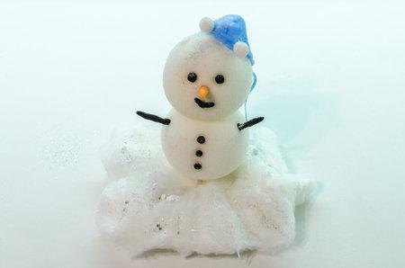 Homemade handmade Christmas snowman made of foam and cotton wool Standard-Bild
