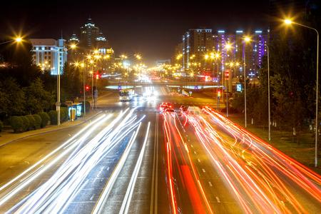 El Mangilik Avenue. Night traffic. Astana, Kazakhstan Stockfoto