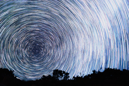 線の形で星からのトラック 写真素材
