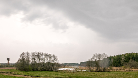 湖を雨します。時間の経過 写真素材
