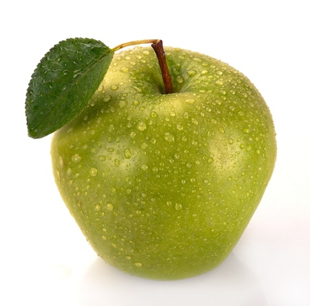 fresh green apple with green leaf Stock Photo - 13636180