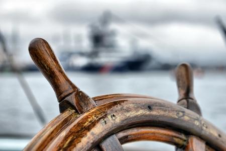 timon de barco: dirección velero rueda