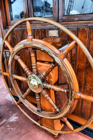 steering wheel sailboat Stock Photo - 15196162