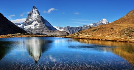 Mt Matterhorn reflected in Riffelsee Lake Zermatt Canton of Valais Switzerland 版權商用圖片
